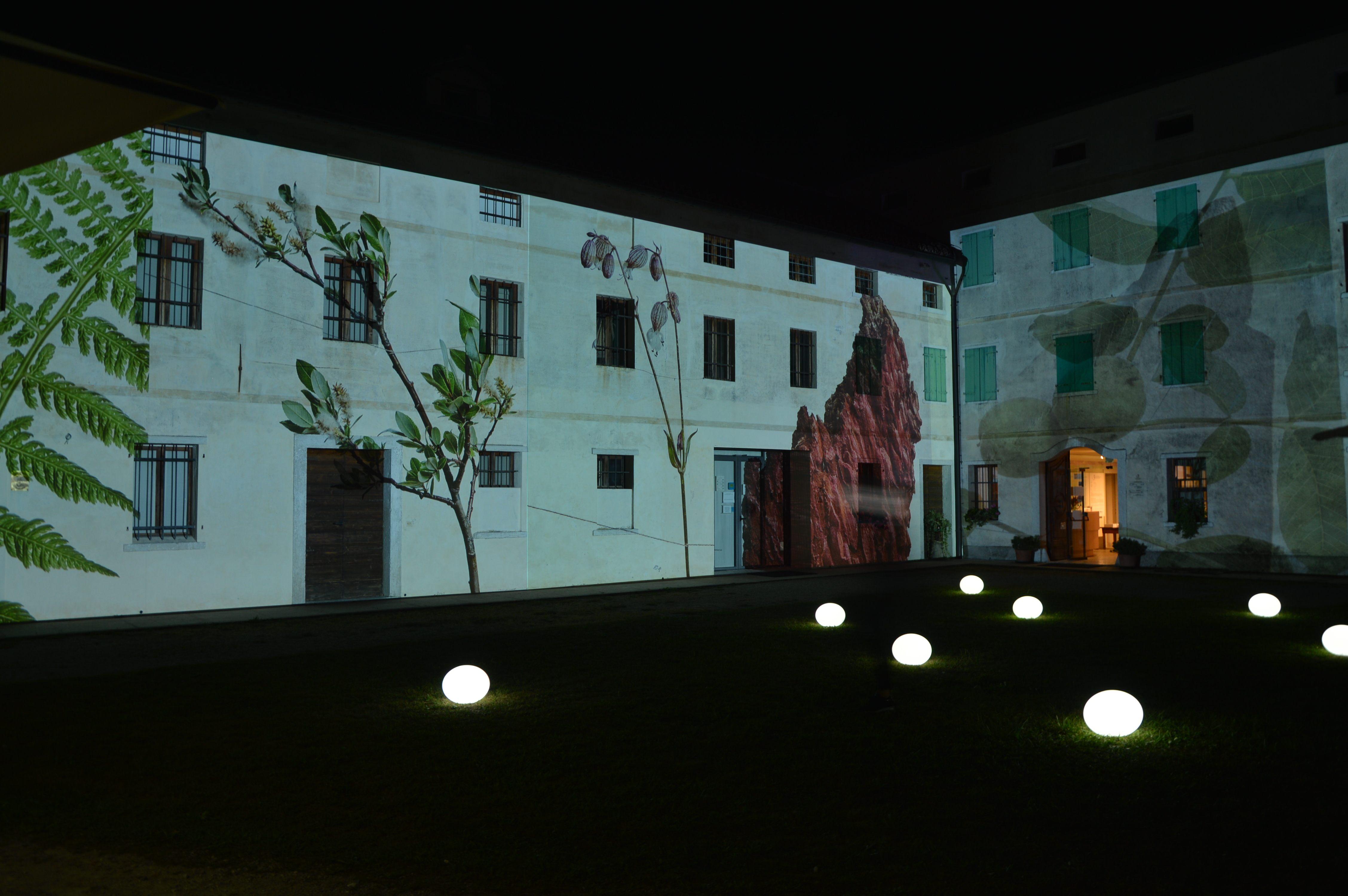museo etnografico belluno videoproiezioni facciata gocce luminose led tondello tecnologie